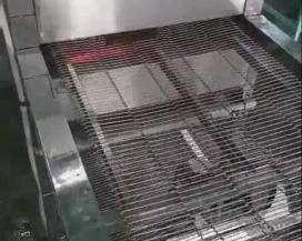 Máy nướng băng tải